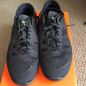 Women's Nike free training sneakers